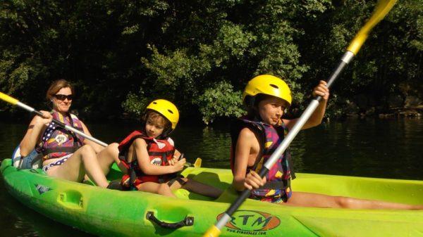 Canoe Chassezac sur plan d'eau Les Assions près de Les Vans